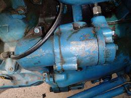 Cerco pompa sollevamento ford 2600