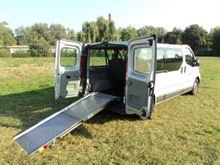 Opel Vivaro passo lungo per trasporto disabile in carrozzina