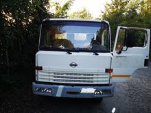 Autocarro Nissan