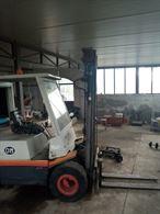 Carrello elevatore diesel om 20 muletto